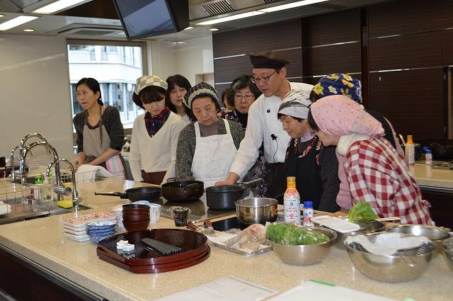京野菜を使った料理教室の様子