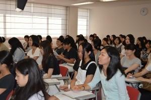京都歯科医療技術専門学校 料理講習会の様子