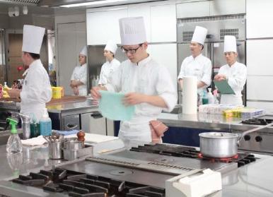 京都調理師専門学校 酒井 飛雄樹